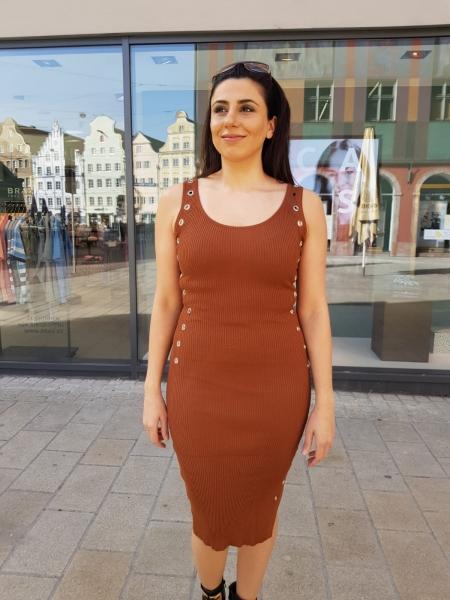 Damen langes Kleid mit Loch Nieten