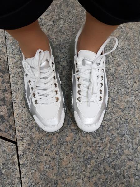 Damen metallische Sneaker mit durchsichtiger Sohl