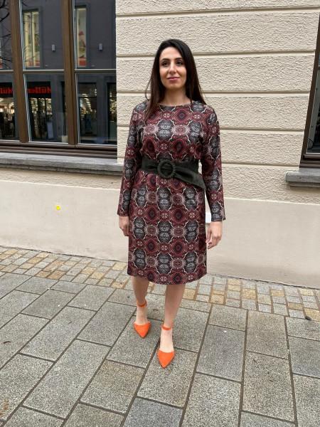 Hängekleid mit Paisley Muster