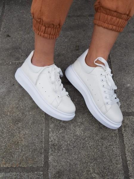 Danity Damen simple Sneaker mit leichtem Plateau