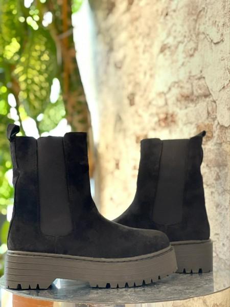 Damen schlichte Wildleder Stiefel mit Plateau Sohle