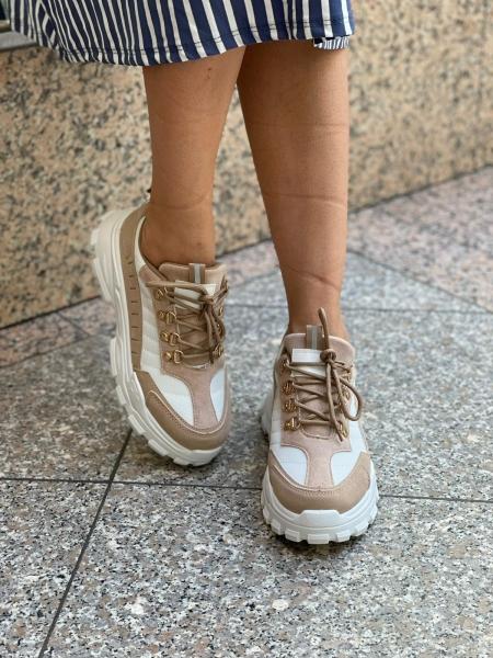 Damen Sneaker mit metallischen Applikationen