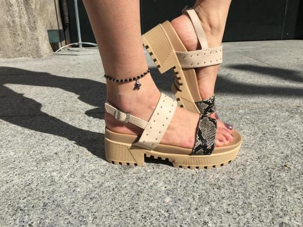 Damen chunky Sandalen mit Nieten