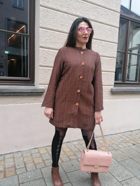 Danity strukturierter Mantel