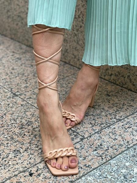 Damen Sandalen mit Absatz zum Schnürren
